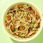 Σπαγγέτι με σάλτσα τόνου ή σολομού