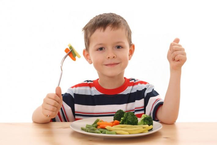 4 ομάδες τροφών που δεν πρέπει να λείπουν από την διατροφή του παιδιού σας